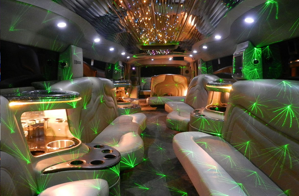 Marron Hummer H2 Limo Interior